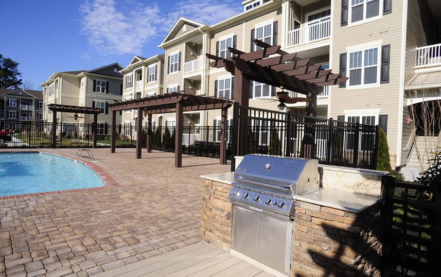 Eagle Harbor Apartments